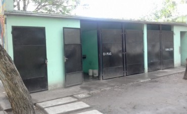 Vandalismo: destruyeron baños de la Plaza San Martín