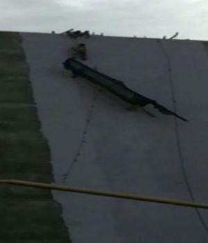 Pibes héroes rescataron a pintores que colgaban de andamio
