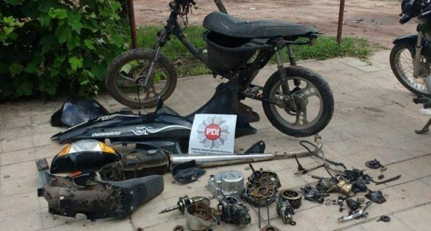 Esclarecen robo de dos motos, una estaba desarmada. Imputados siguen en libertad por orden del fiscal