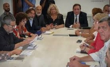 Se llevó a cabo la primera reunión de la paritaria docente, todavía sin números