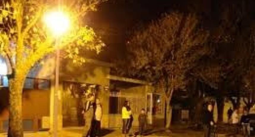 Iluminación de calle 47 de Reconquista