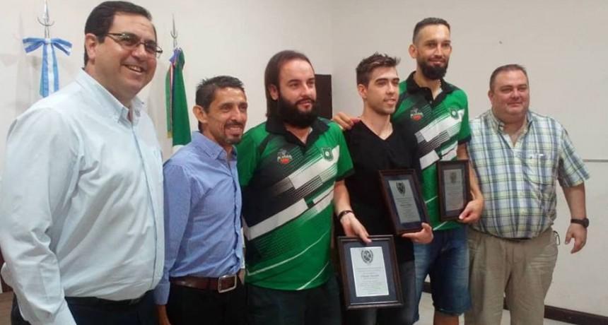 Reconocieron a jugadores y al técnico de Platense Basquet