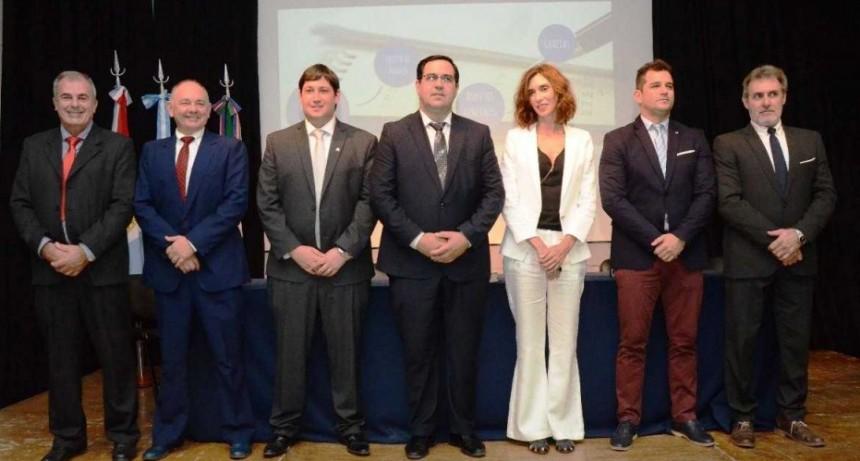 Vallejos presentó su nuevo gabinete