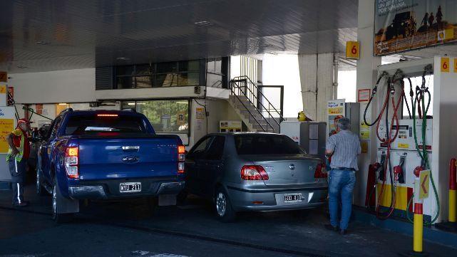 Aumentaron los combustibles, una vez más