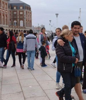 Turistas gastaron $ 6.200 millones en el finde largo