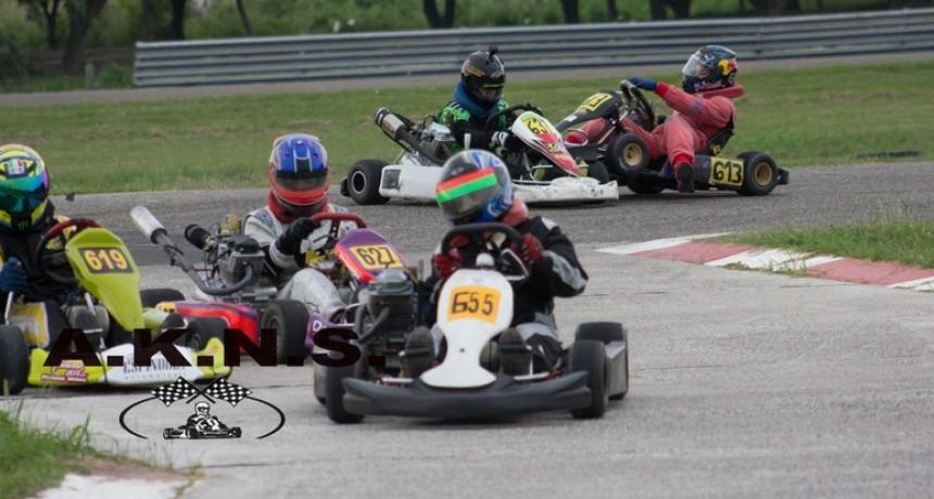 Karting: 37 pilotos dijeron presentes en la prueba comunitaria