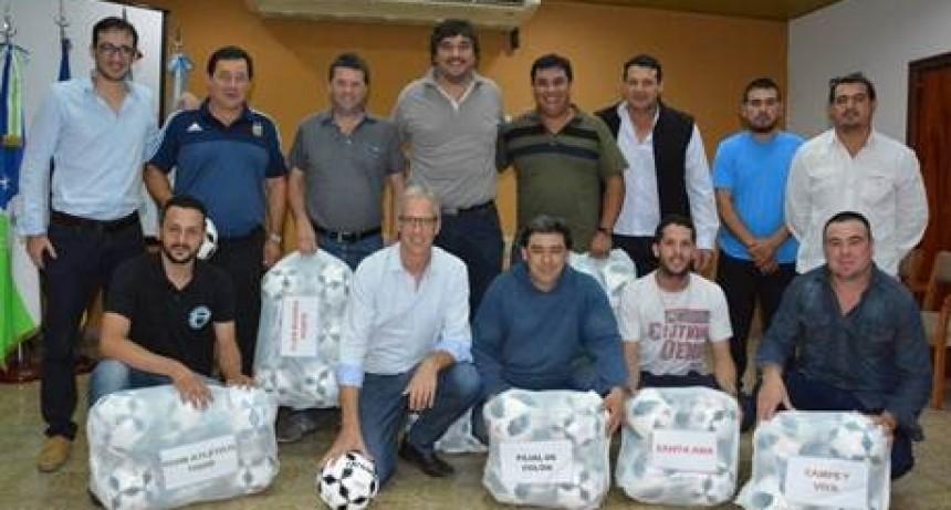 Clubes de Avellaneda recibieron elementos deportivos