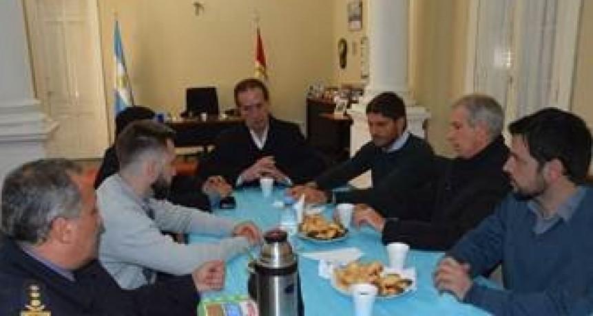 Pullaro se reunió con autoridades locales