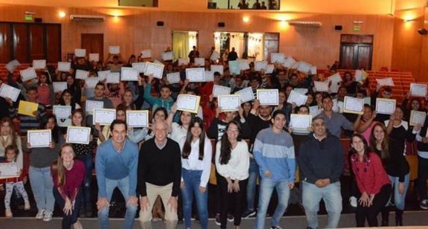 Jovenes de Avellaneda recibieron capacitaciones sobre empleo
