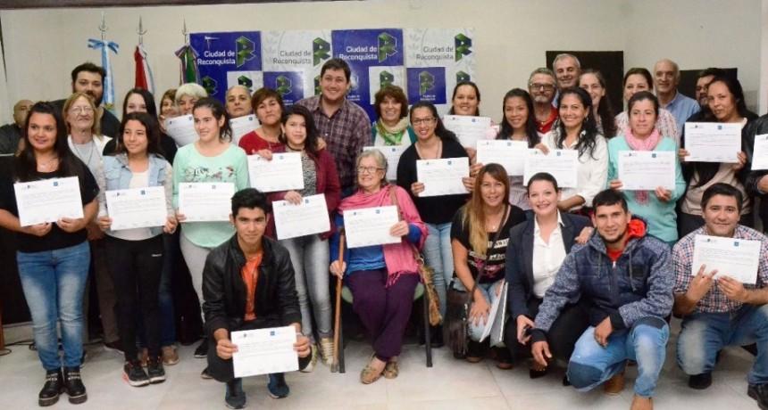 Entregaron diplomas a emprendedores que se capacitaron en conservas de alimentos