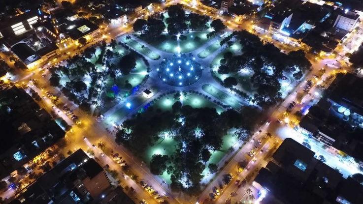 Avanza la instalación de luminarias Led en las plazas de Reconquista