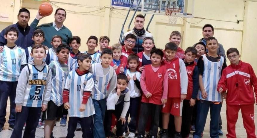Alumnos de la escuela municipal de basquetbol verán gratis la final