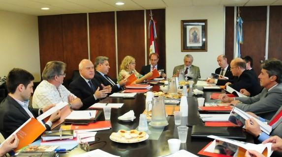 El gobernador y sus ministros de gira por Reconquista y Avellaneda