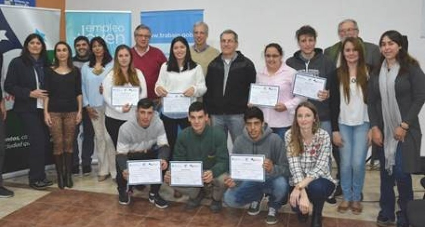 Entregaron certificados a jóvenes de Avellaneda
