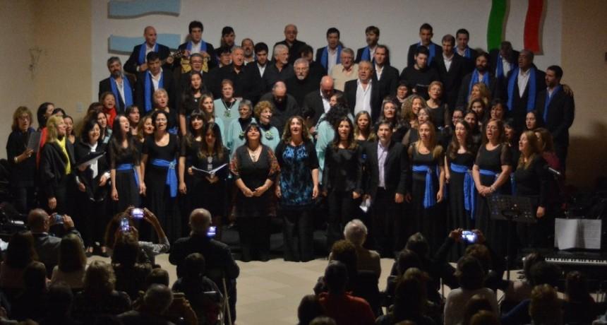 "Coro Polifónico Municipal ""Dionisio Cantero"": 65 años de canto"