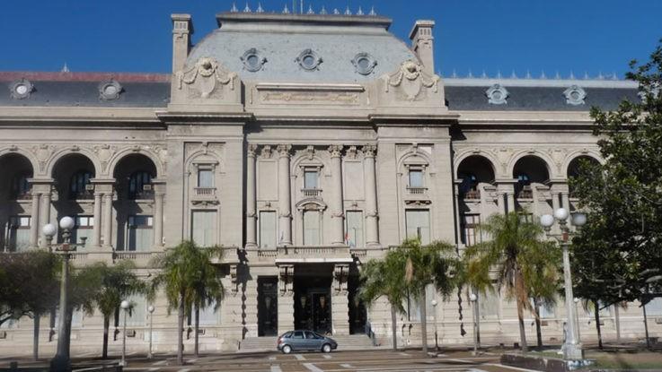 La provincia aumentó las transferencias de fondos coparticipables a municipios y comunas
