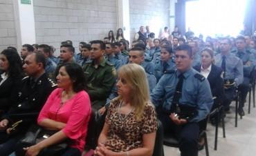 Entregaron diplomas a suboficiales de Policía