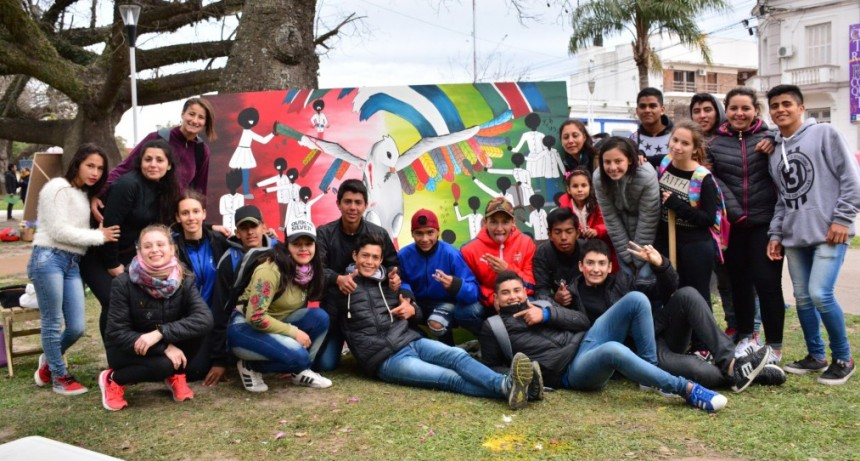 Estudiantina Olímpica 2018: sábado de pintura mural