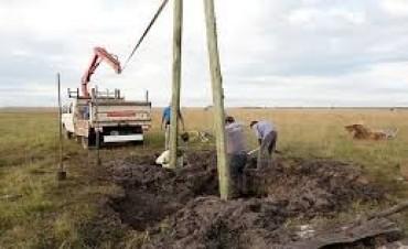 Obras eléctricas en Nicanor Molinas y La Sarita