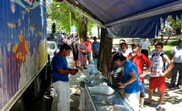 Feria de pescado de mar y productos regionales en Plaza San Martín