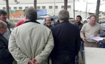 Gregoret visitó el terreno donde se construirá el Profesorado