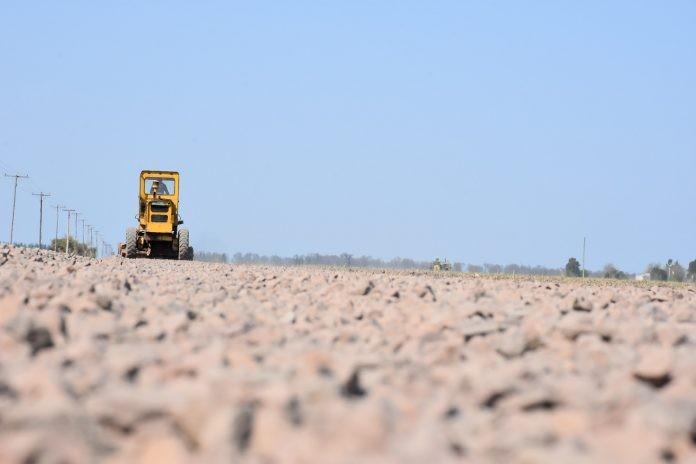 Zona rural: avanza la mejora de los caminos en Avellaneda