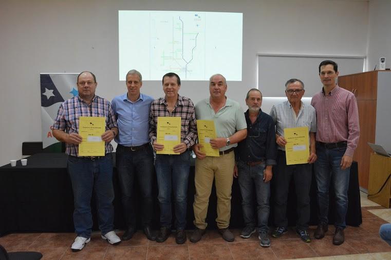 Entrega de lotes y estímulo a emprendedores en Avellaneda