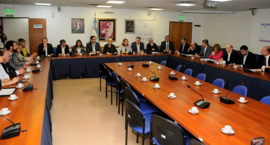 Intendentes y presidentes comunales se reunieron en Santa Fe