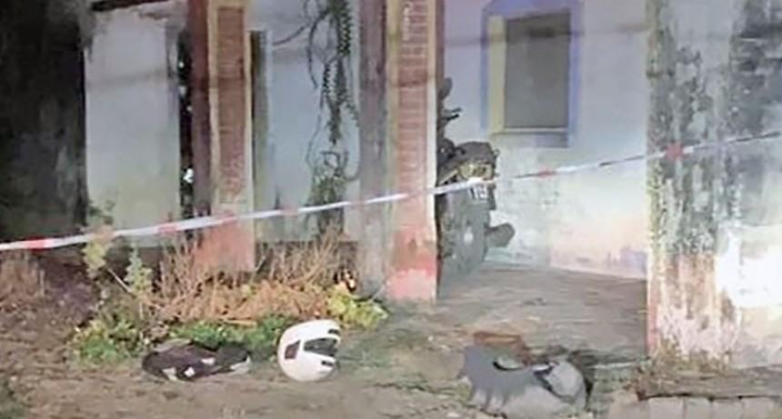 Investigan la muerte de una pareja en La Sarita