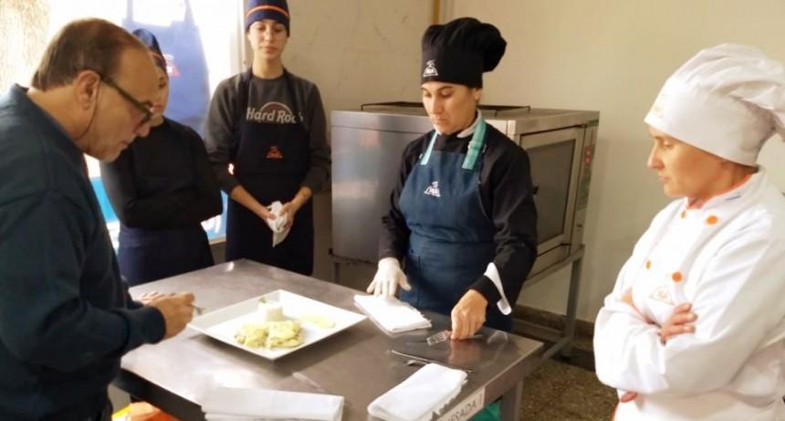 La gastronomía debutó en la Estudiantina Olímpica