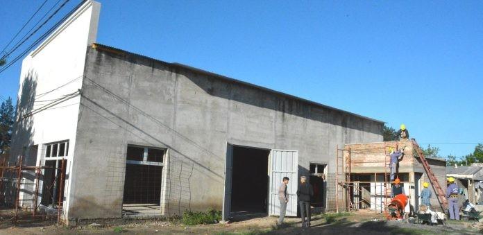 Avanzan las obras del edificio vecinal de barrio Lourdes