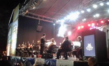 Espectacular show de Los Palmeras y la Filarmónica de Santa Fe