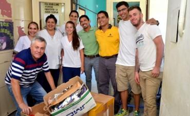 Entrega de juguetes del fútbol solidario