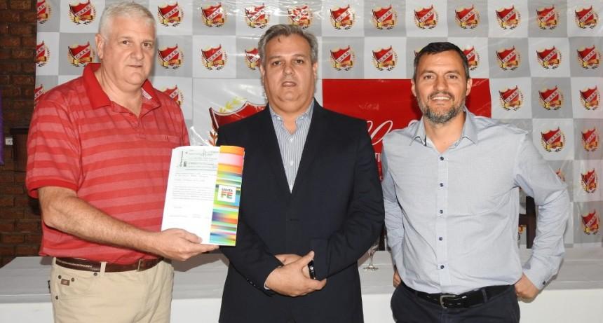 La provincia entregó un aporte de $300.000 al Club Adelante de Reconquista