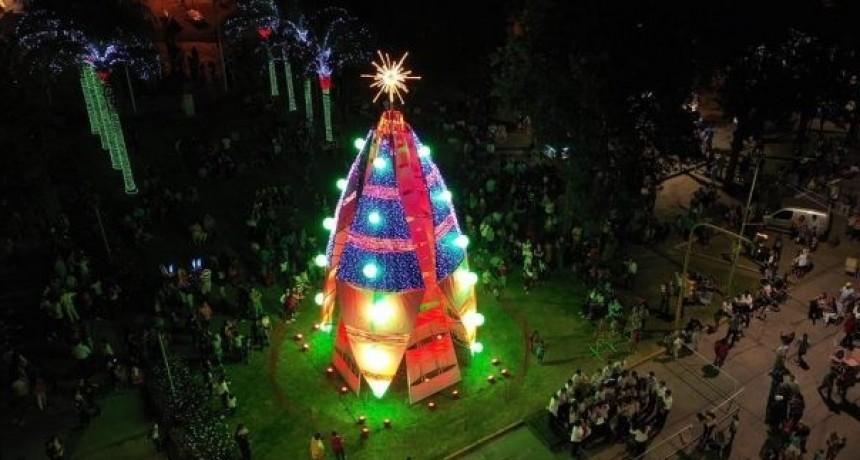 Avellaneda encendió su navidad en la Plaza Central