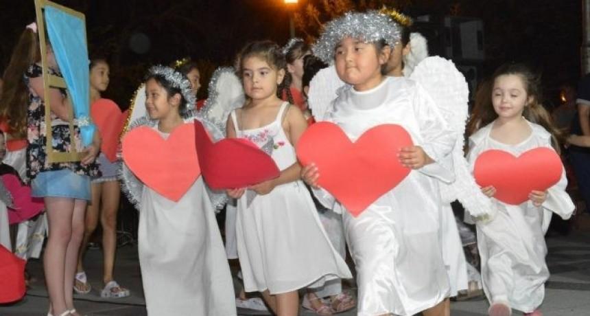 Cuentos navideños llega a plaza Los Colonizadores