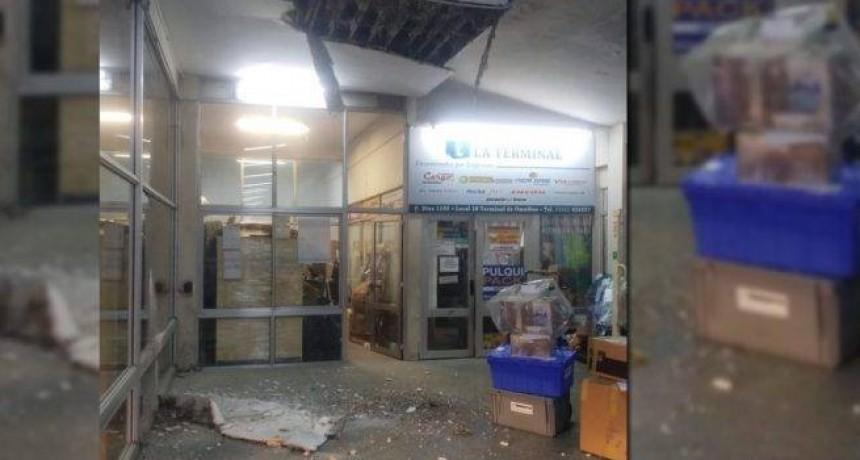 Cayó parte del techo de la Terminal de Ómnibus