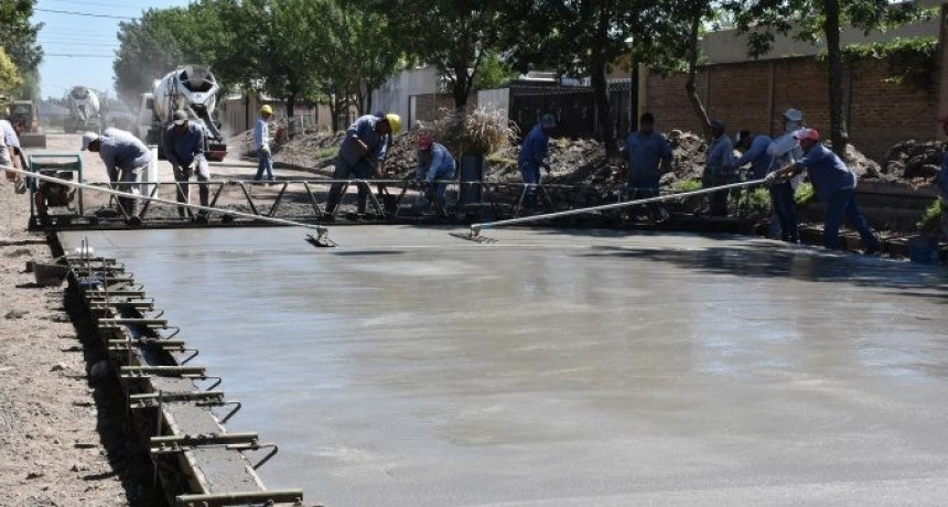El pavimento avanza en Avellaneda
